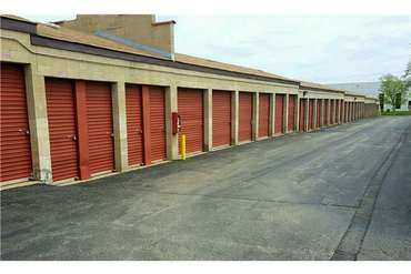 Extra Space Storage - 1302 Marquette Dr Romeoville, IL 60446