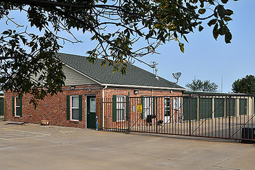 2761062_medium_1656_annex_office