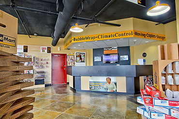 2761130_medium_0542_storagemart_miami_sw_40th_salea_area