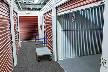 2761251_medium_0820_storagemart_lombard_west_north_open_interior_door_cart