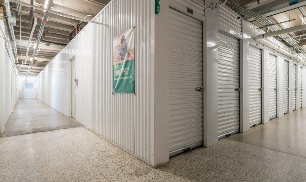 Dallas Self Storage In Dallas Tx Near Maple Ave