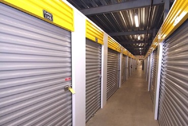 2848984_medium_8_-air_conditioned_heated_self_storage_units_serving_the_fine_people_of_chicago_il