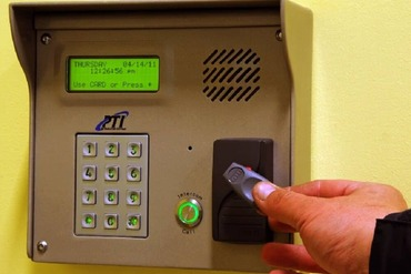 2849320_medium_7-self_storage_unit_security_access_keypad_in_germantown_pa_on_germantown_ave