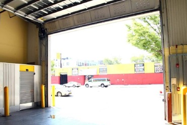 2849524_medium_5-drive-in_loading_bay_for_air_conditioned_heated_self_storage_space_located_in_brooklyn_ny