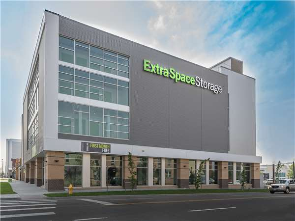 Extra Space Storage Near 2255 Champa St Denver Co