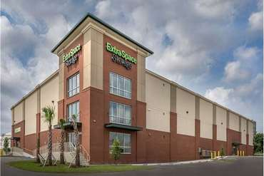 Extra Space Storage - Tampa, FL 33605