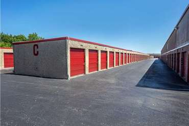 Extra Space Storage - 5197 McCart Ave Fort Worth, TX 76115