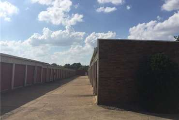 Extra Space Storage - 7911 Hacks Cross Rd Olive Branch, MS 38654