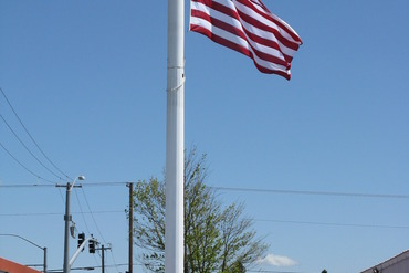 52683_medium_facility_with_flag_001