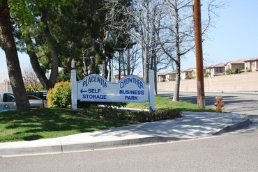 Attirant Placentia Self Storage   585 Porter Way Placentia, CA 92870