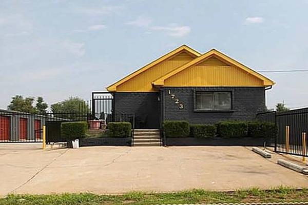 storage mart in springfield mo near e florida st. Black Bedroom Furniture Sets. Home Design Ideas