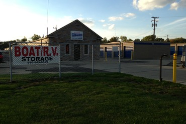 Macomb Self Storage - 48535 Gratiot Chesterfield, MI 48051