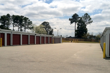760612_medium_fayettville_self_storage