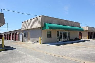 Choctaw Storage Center and Uhaul Dealer - 11520 Richcroft Ave. Baton Rouge, LA 70814